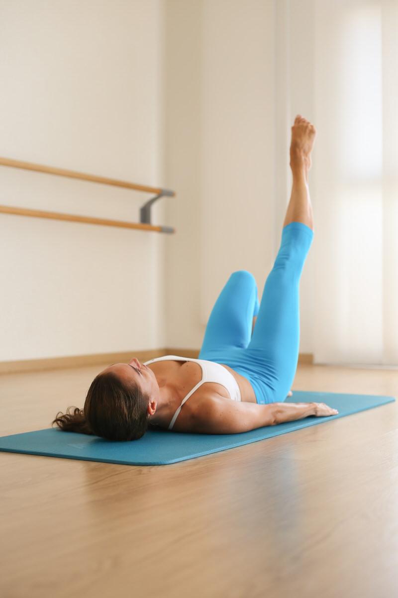 Pilates One leg circle exercise