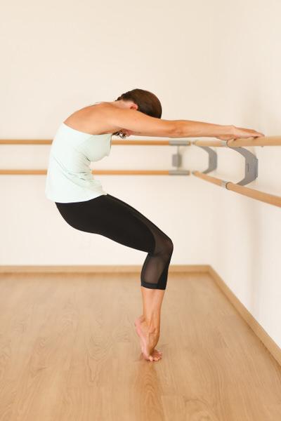 Pilates Barre curve en relevé